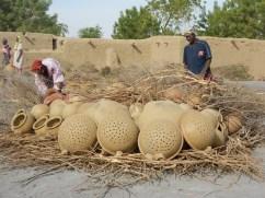 the creation of pots (Koulouba, Mali)